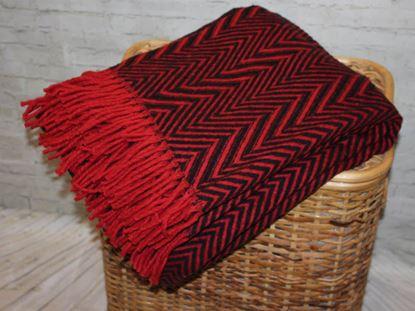 Pled Marynos czerwono-czarne zygzaki