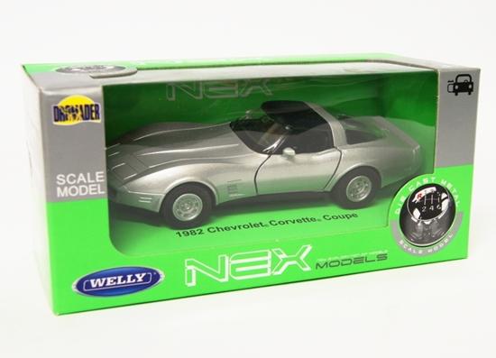 Welly 1:34 Chevrolet 1982 Corvette Coupe -srebrny