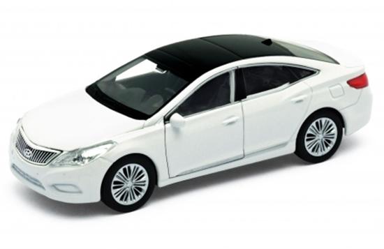 Welly 1:34 Hyundai Azera - biały
