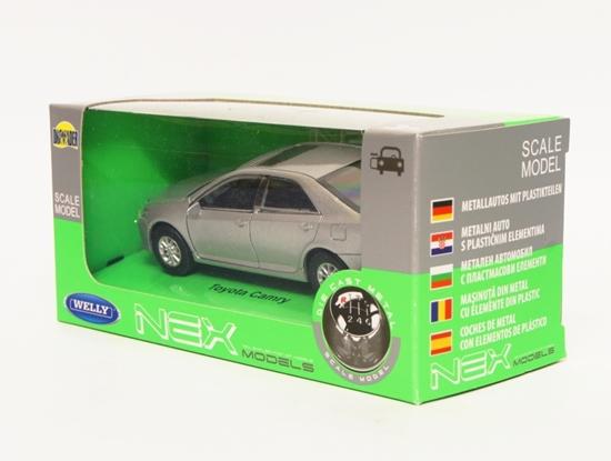 Welly 1:34 Toyota Camry - srebrny