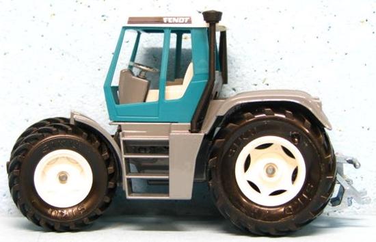 'SIKU' 2957 Traktor Fendt Xylon 524